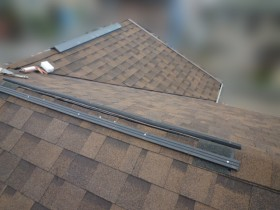 屋根カバー工事、棟工事