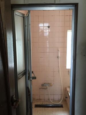 施工前浴室全体