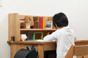 子供の学力を伸ばすには勉強しやすいリビング作りを